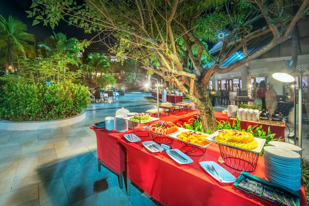 dinner by night delicious Thai food