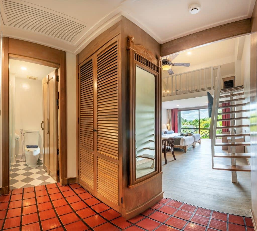 cha da hotel room overview