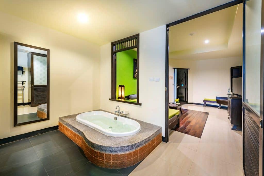 bath in hotel room