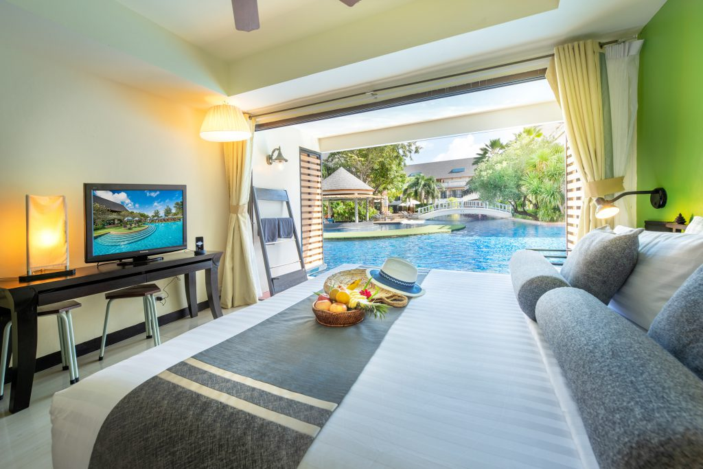gold suite with pool access