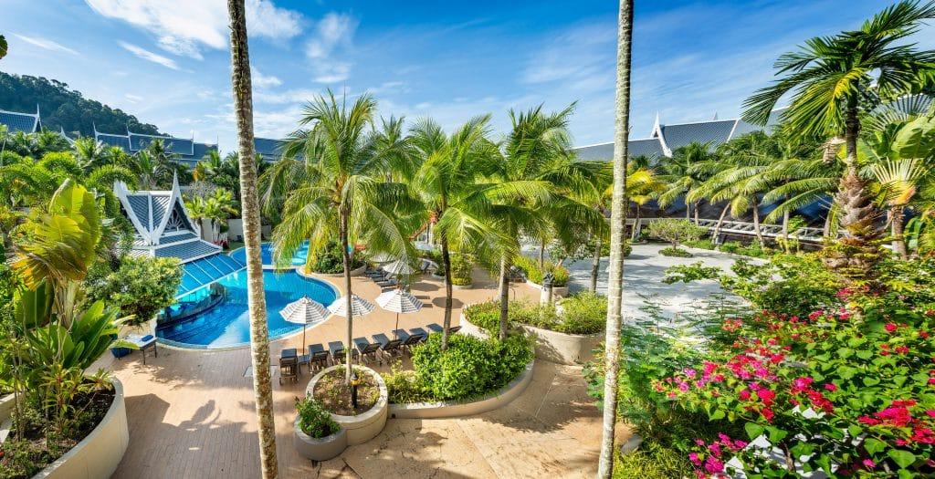 hotel pool garden